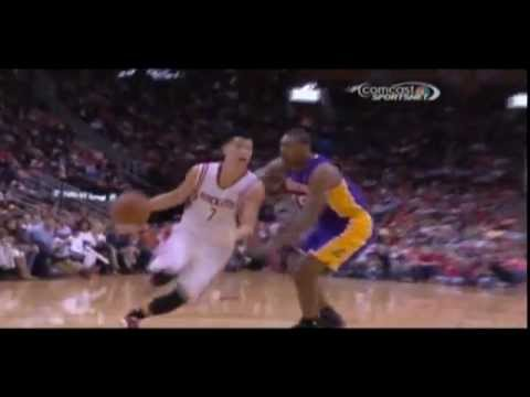 Jeremy Lin crosses Ron Artest, hit by Robert Sacre (Video)
