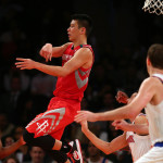 Jeremy Lin throws the no look pass vs. New York Knicks