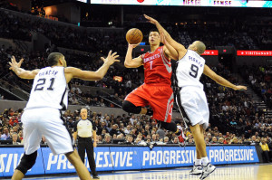 Jeremy Lin puts up the floater against Tony Parker and the Spurs