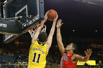 Nik Stauskas dunks on Arizona