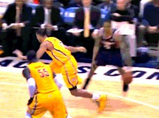 Jeff Teague ridiculous crossover on Evan Turner