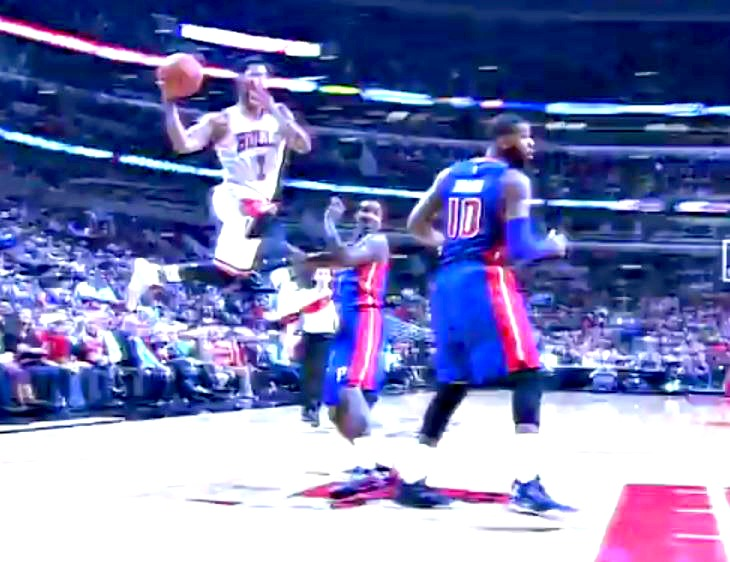 Video of Derrick Rose's fake jump pass to Pau Gasol, instead passes to Joakim Noah (all before he hits the ground)