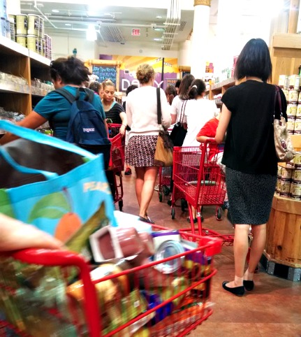 How to navigate the insane long lines at Trader Joe's in Union Square (New York)