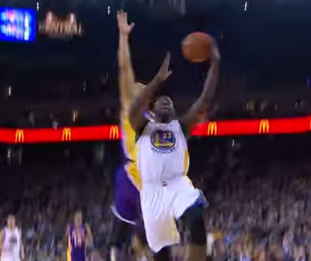 Video: Jeremy Lin blocks Draymond Green's layup into the stands