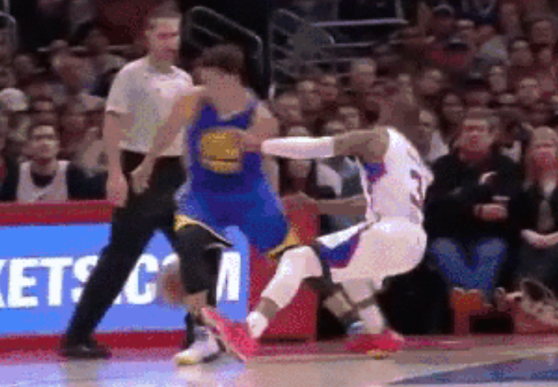 Steph Curry drops Chris Paul with double behind-the-back dribble