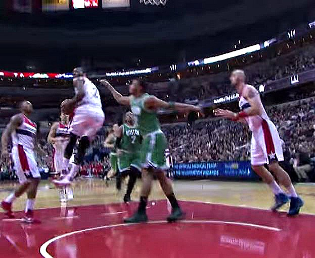 John Wall's '360 midair layup' is quickly becoming his signature move
