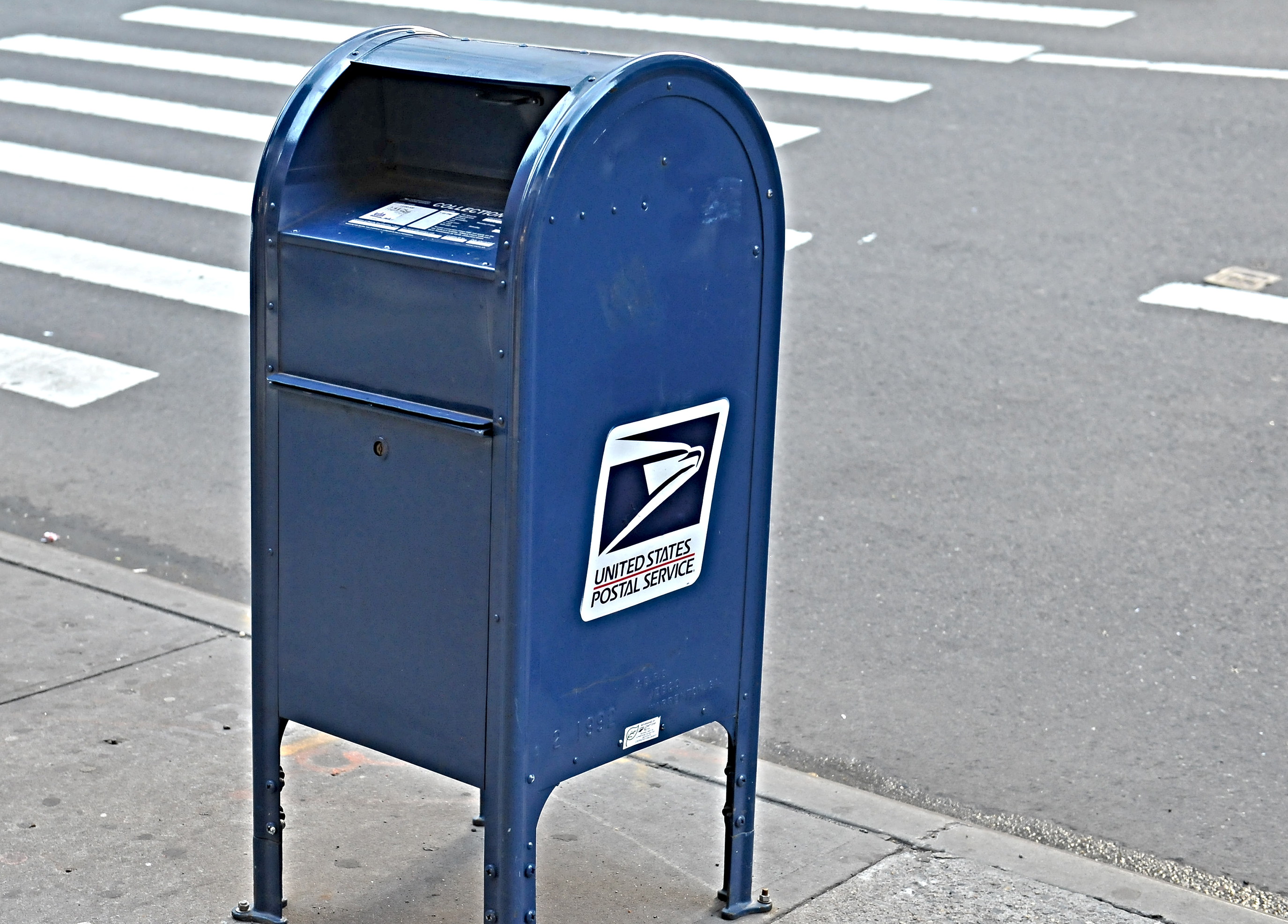 Can I drop my package into one of those USPS mail collection boxes?